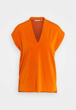 YAMINI - Basic T-shirt - golden sunset