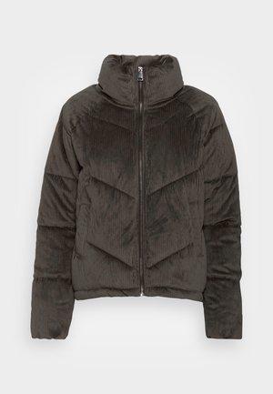 VMDEBBIEHARLIE SHORT JACKET - Winter jacket - peat