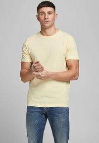 Jack & Jones - T-shirt - bas - flan - 0