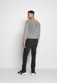 Calvin Klein Jeans - 035 STRAIGHT - Straight leg -farkut - black - 2