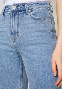 ONLY - ONLEMILY LONG  - Shorts di jeans - light blue denim - 4