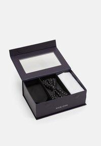 SET - Pocket square - black