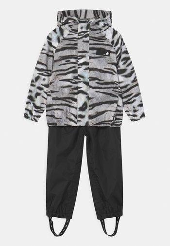 WHALLEY SET - Rain trousers - tiger black