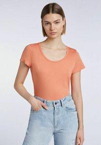 SET - T-shirt imprimé - coral gold - 0