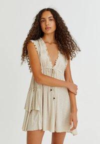 PULL&BEAR - Pletené šaty - mottled beige - 0