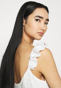 NA-KD - DETAIL DRESS - Cocktail dress / Party dress - white - 3