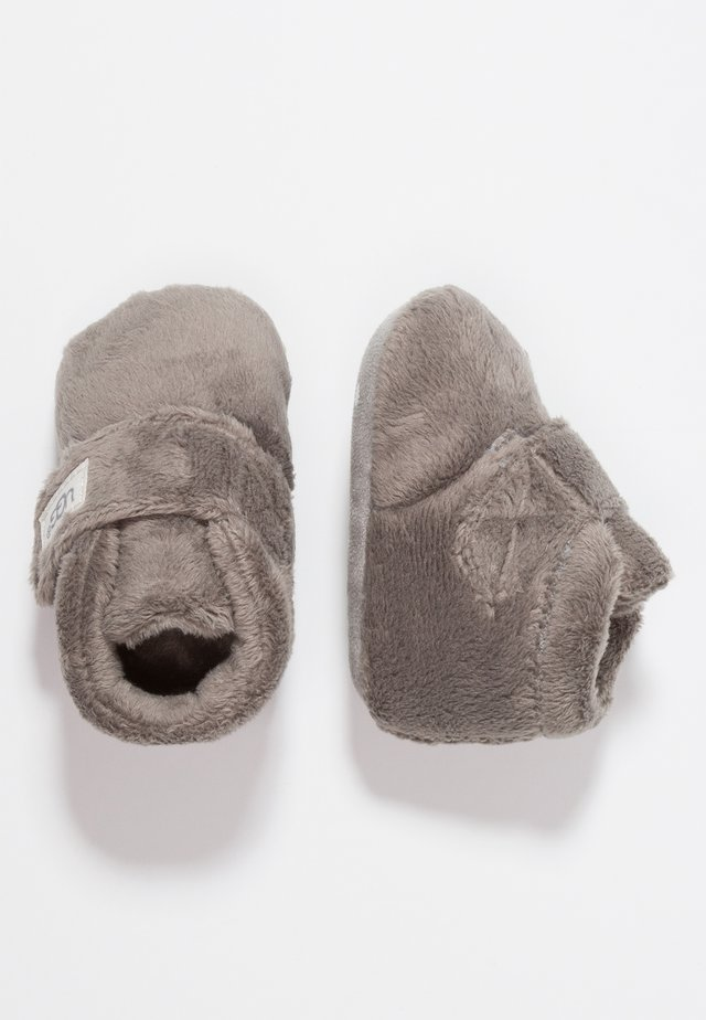 BIXBEE AND LOVEY - First shoes - charcoal