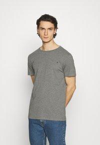 Replay - CREW TEE 3 PACK - Basic T-shirt - chalk melange / black / dark gery melange - 4