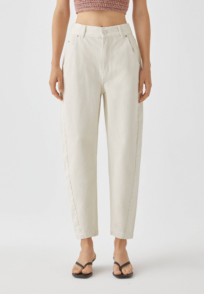 PULL&BEAR - Jeans a sigaretta - white