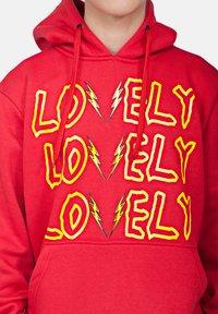 SEXFORSAINTS - LOVELY/LONELY - Hoodie - metallic red - 4