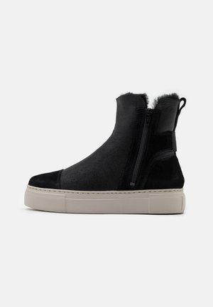 BERN - Snørestøvletter - black
