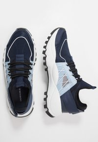 Calvin Klein Jeans - TOLBEK - Trainers - navy/blue - 1
