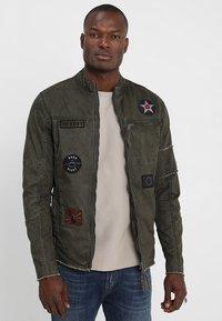 Be Edgy - BE THEO PAT - Denim jacket - khaki - 0