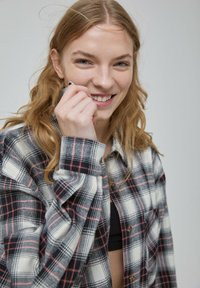 PULL&BEAR - Button-down blouse - rose - 4