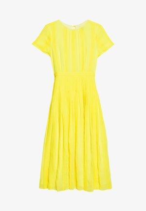 JUDY DRESS - Denní šaty - bright kiwi