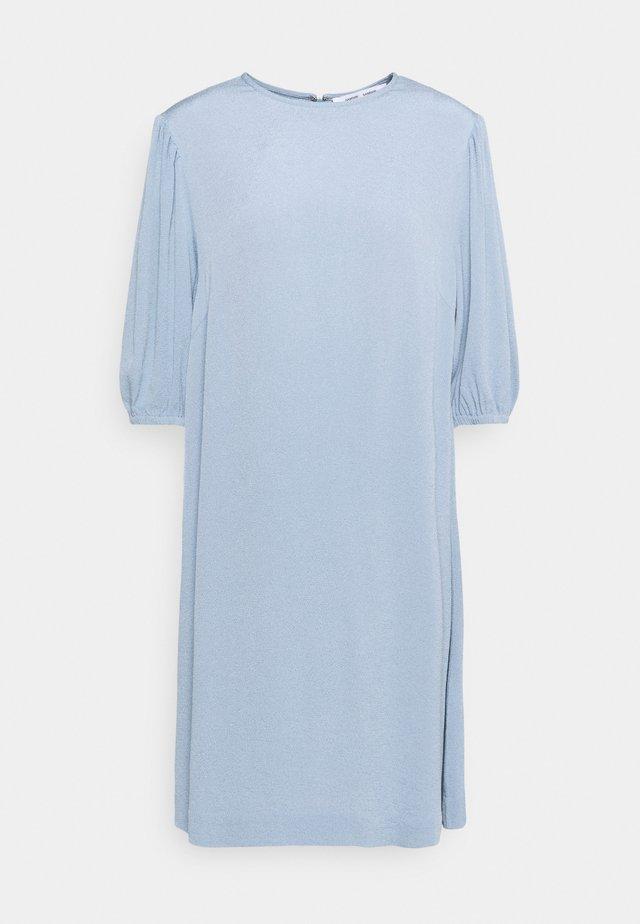 ARAM DRESS - Freizeitkleid - dusty blue