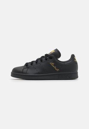 STAN SMITH UNISEX - Sneakersy niskie - black