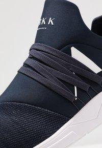 ARKK Copenhagen - RAVEN S-E15 - Sneakers - midnight/white - 5