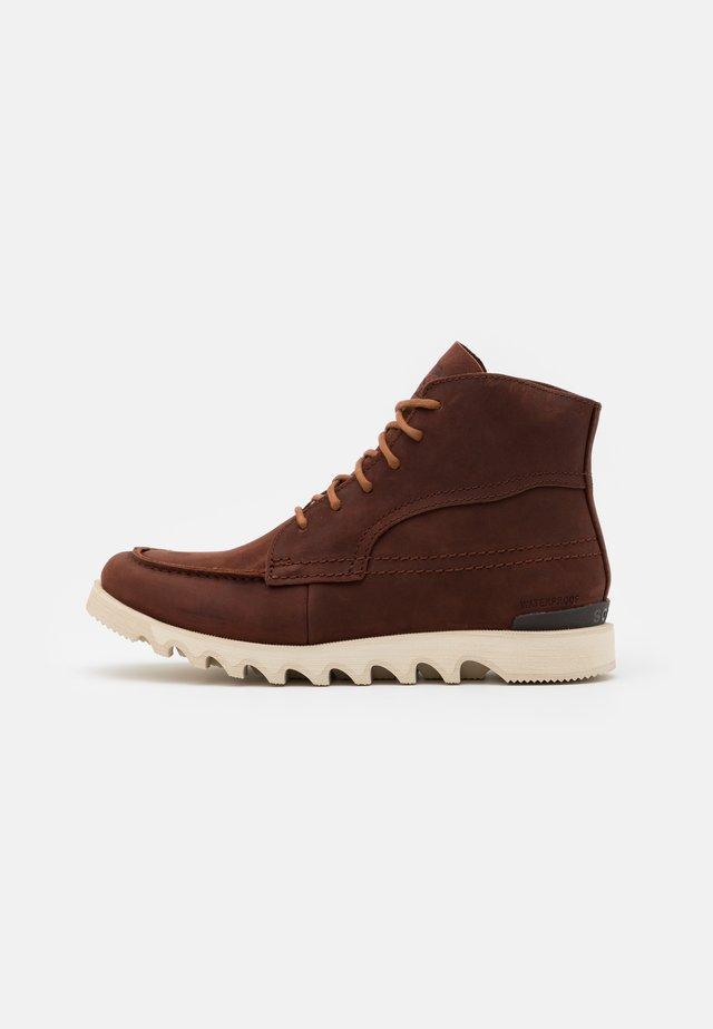 KEZAR MOC WP - Lace-up ankle boots - burro