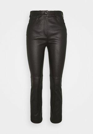 LAKKILI - Pantaloni di pelle - black