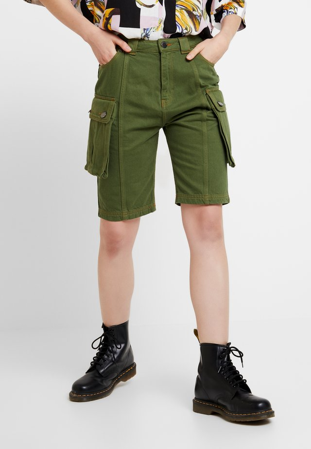 SAFARI MID LENGTH - Shorts - khaki green