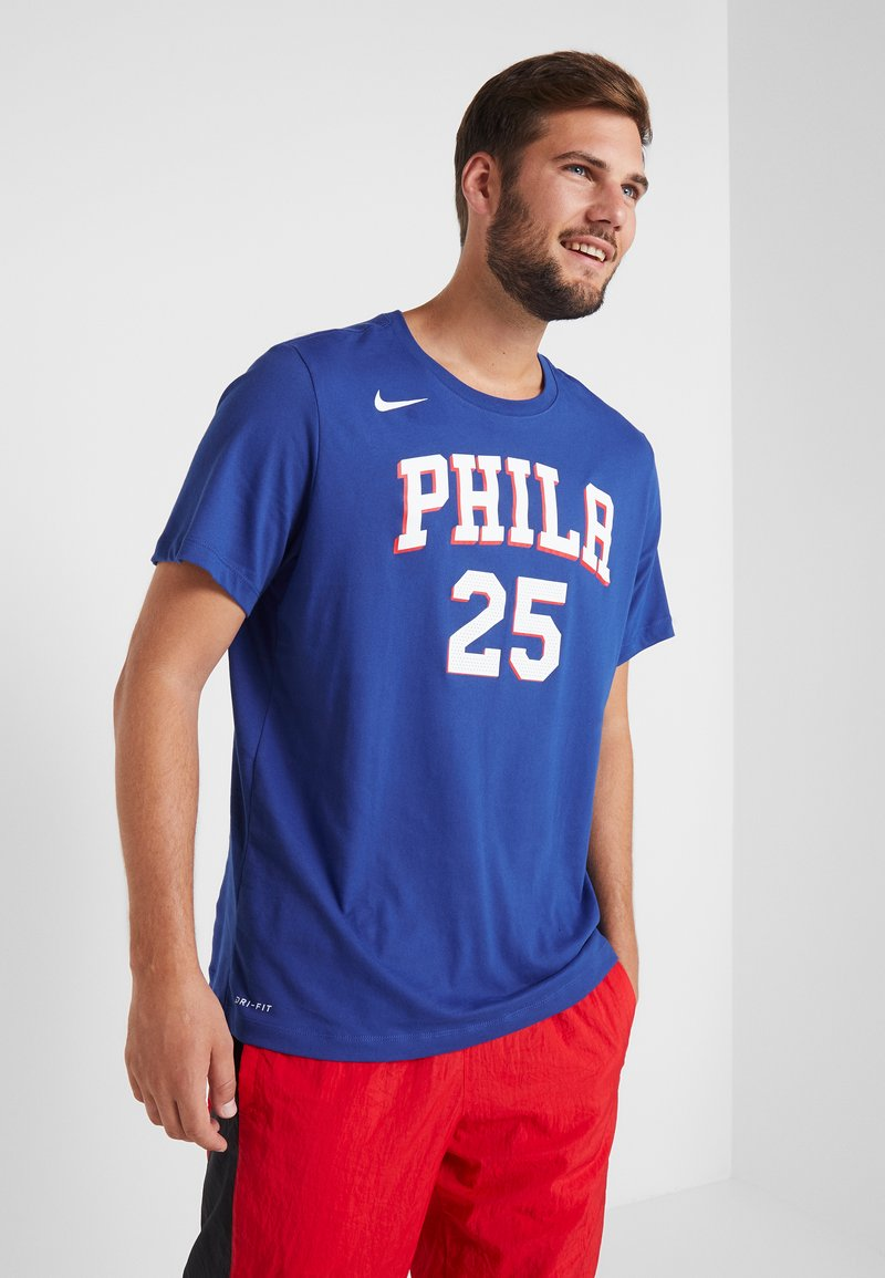 Nike Performance - NBA PHILADELPHIA 76ERS BEN SIMMONS NAME NUMBER TEE - Print T-shirt - rush blue