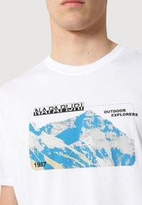 Napapijri - SULE - Print T-shirt - white graphic - 4