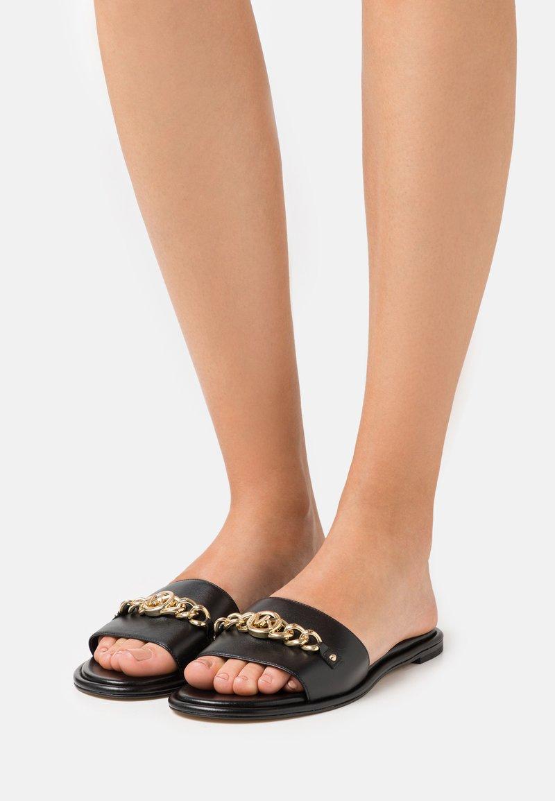 MICHAEL Michael Kors - RINA SLIDE - Pantofle - black