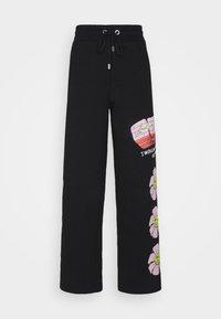 GCDS - FLOWER COLLEGE PANTS - Joggebukse - black - 0
