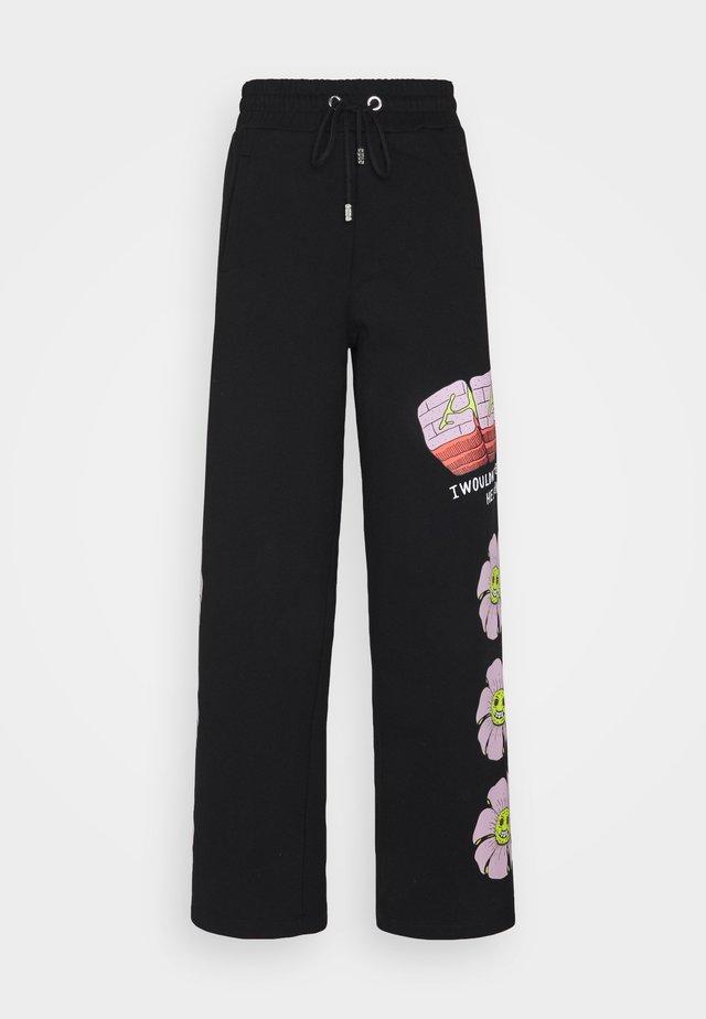 FLOWER COLLEGE PANTS - Tracksuit bottoms - black