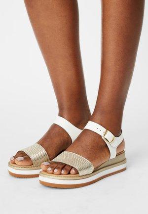 Platform sandals - platinum