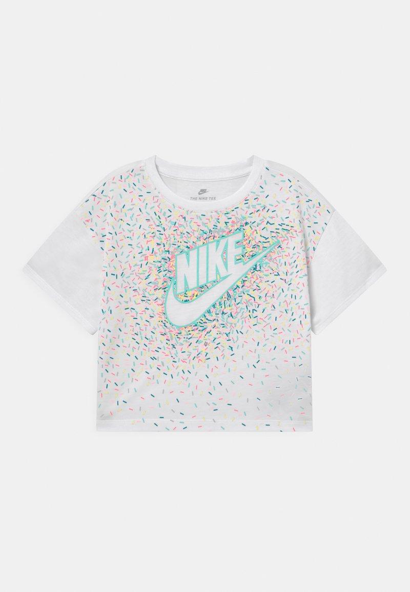 Nike Sportswear - DRAPEY GRAPHIC - Camiseta estampada - white
