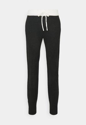 ONLAUBREE LOOSE PANTS  - Teplákové kalhoty - black/white
