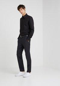 HUGO - ENZO REGULAR FIT     - Formal shirt - black - 1