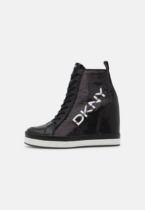 SOPHIE WEDGE - High-top trainers - black/white