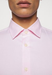Tiger of Sweden - ADLEY - Formal shirt - pink - 6