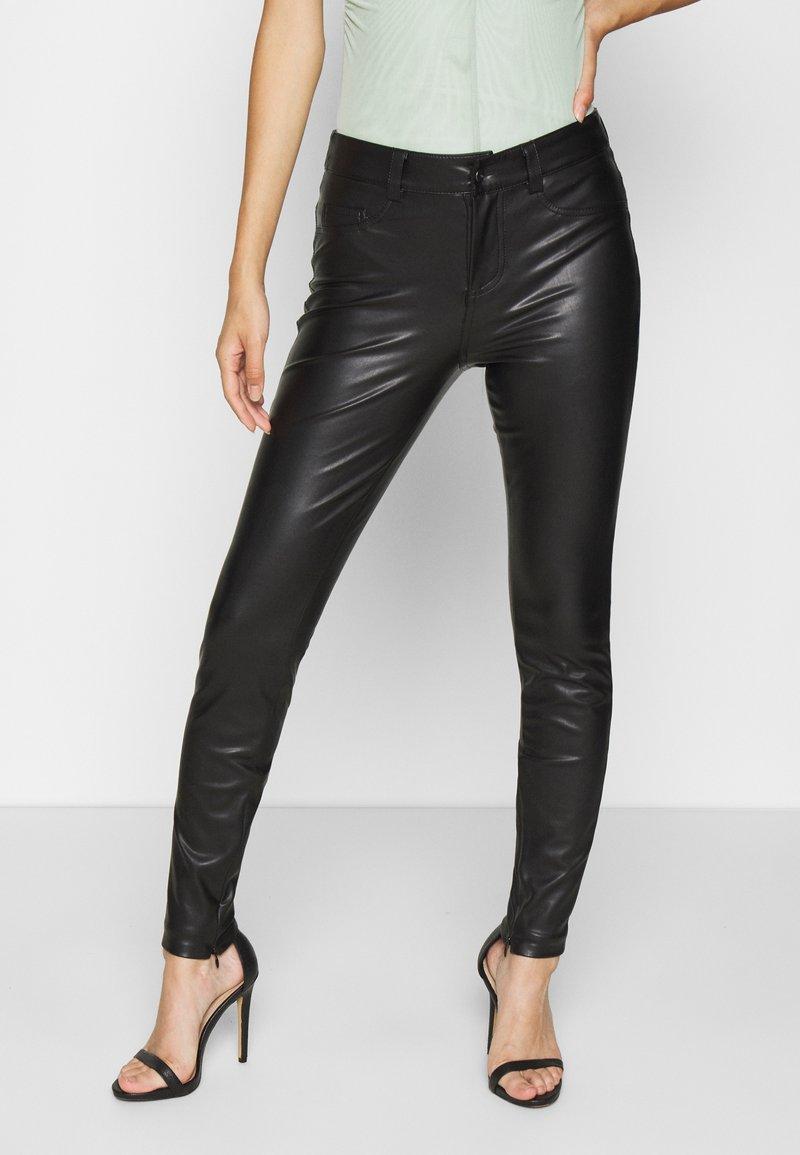 ONLY - ONLHOLLY PANT - Broek - black