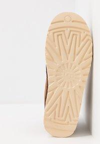 UGG - HIGHLAND SPORT - Lace-up ankle boots - chestnut - 4