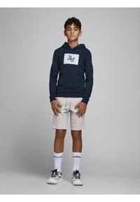 Jack & Jones Junior - Shorts - light grey melange - 1