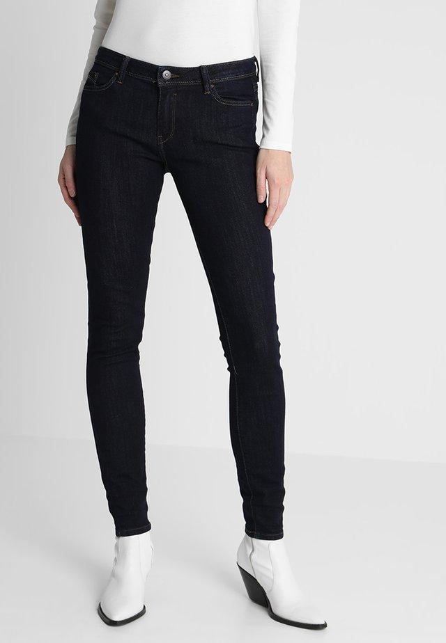 SKIN - Skinny džíny - blue rinse