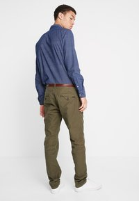 Scotch & Soda - STUART CLASSIC - Chino - olive - 2