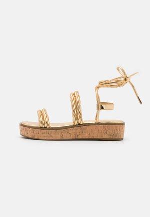 MARINA - Sandály na platformě - gold