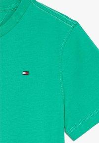 Tommy Hilfiger - ESSENTIAL TEE  - T-shirt basic - green - 3