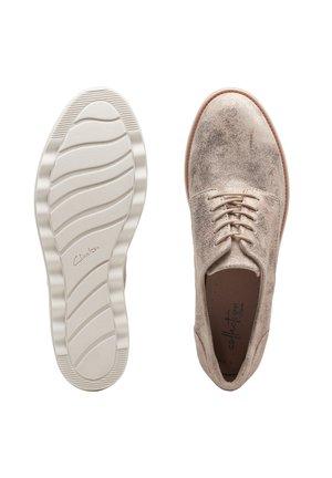 Chaussures à lacets - zinngrau