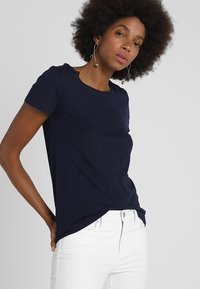 GAP - CREW - Basic T-shirt - navy uniform - 0