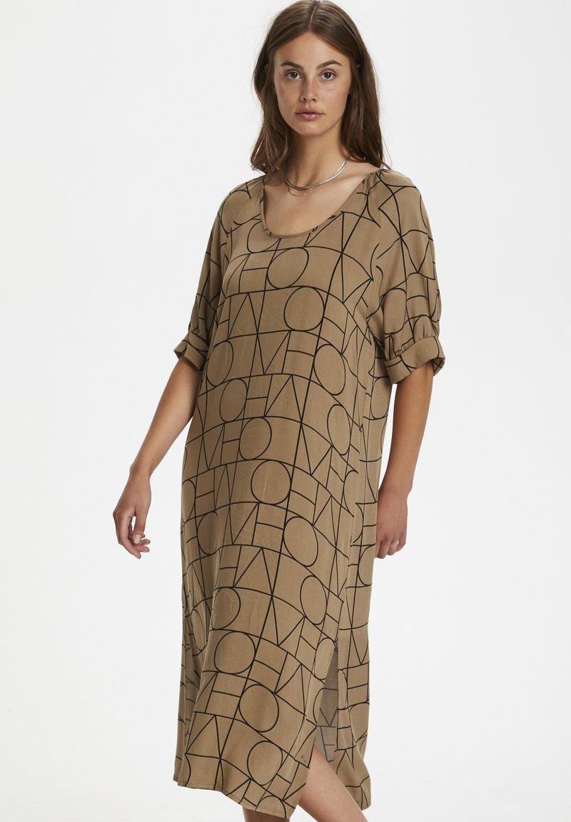 Soaked in Luxury - SLMONTOYA  - Day dress - love print ermine