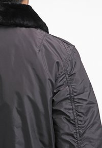 Alpha Industries - INJECTOR III - Bomber Jacket - black - 5