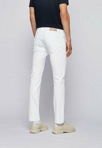BOSS - DELAWARE - Slim fit jeans - white - 2
