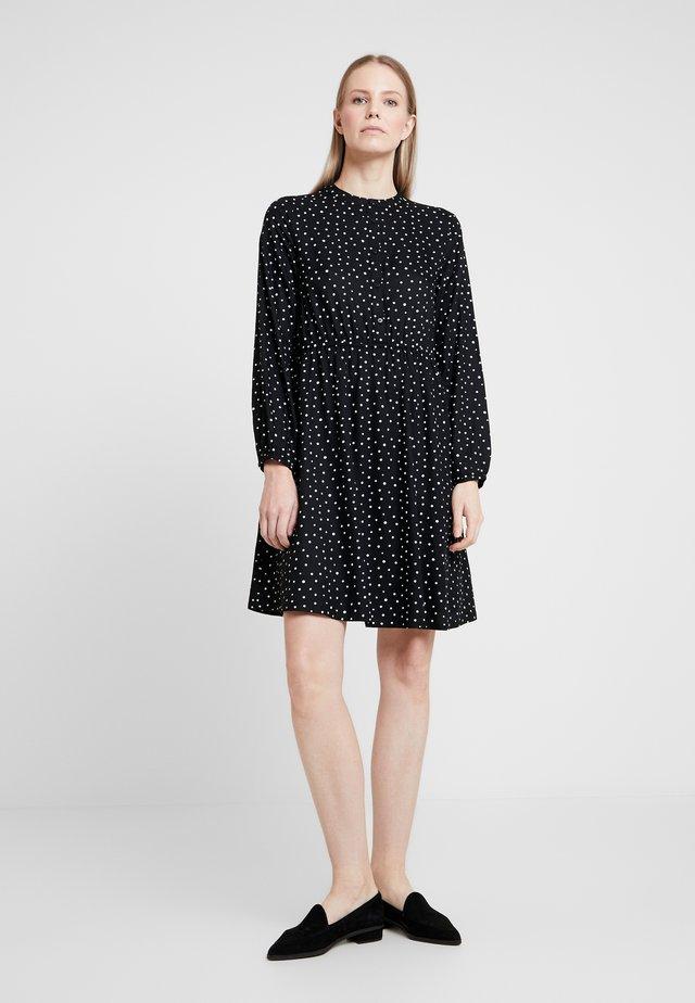 SHORT EASY BUTTON DRESS - Paitamekko - black/white