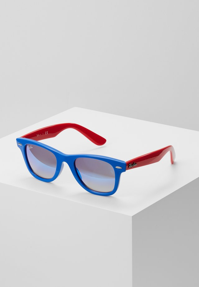 JUNIOR WAYFARER - Sunglasses - blue/red